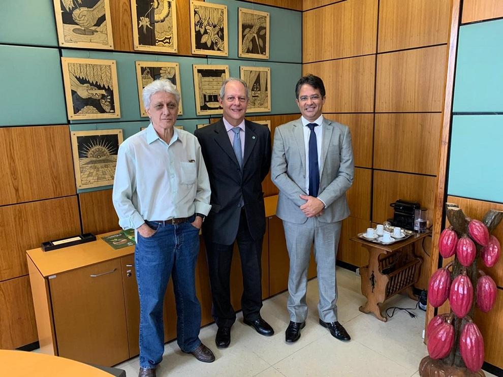 Reitor da UESC discute parcerias com a Ceplac